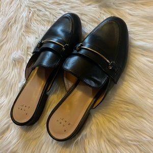 A • New • Day Black Mules 8 ✨